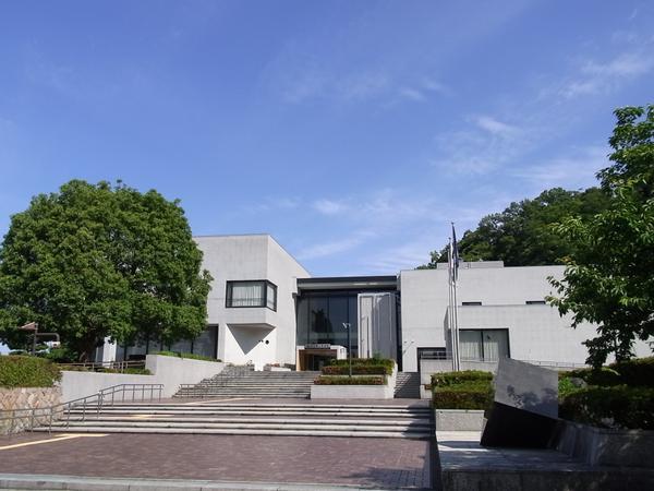 鳥取県立博物館 image