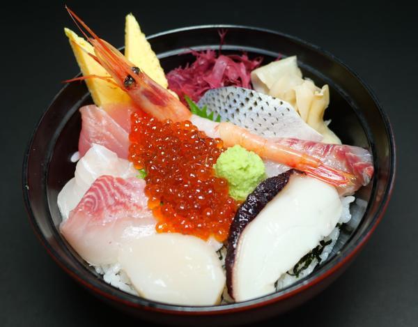 大津漁協直営 市場食堂 image