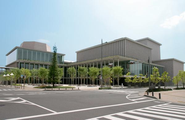 兵庫県立芸術文化センター image
