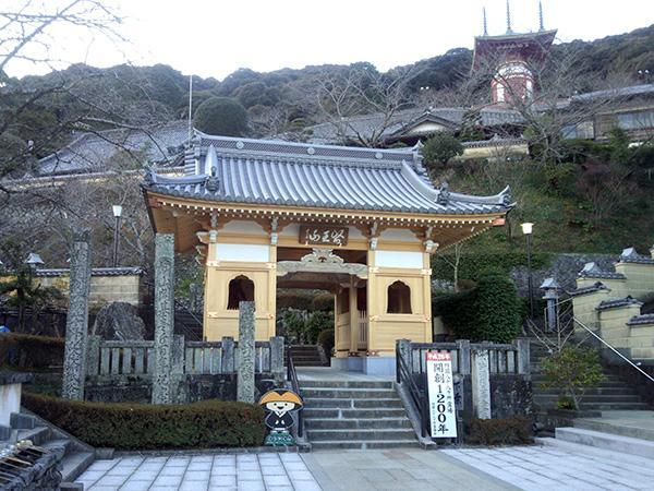 薬王寺 image