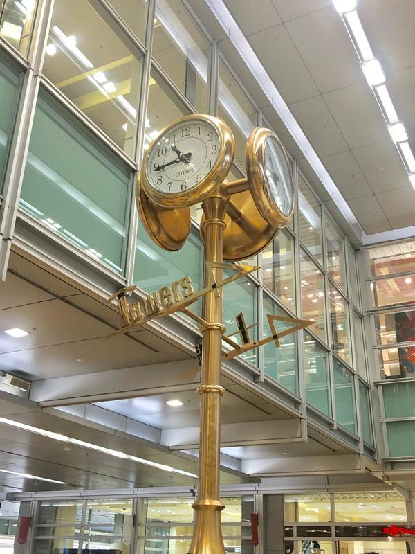 金の時計 image