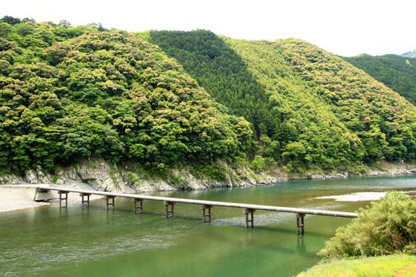 岩间沉下桥 image