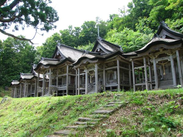 赤神神社五社堂 image