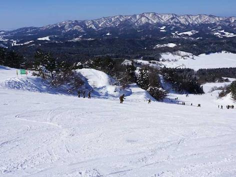胎内滑雪场 image