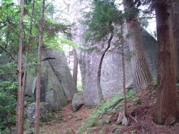 出羽神社羽黒岩 image