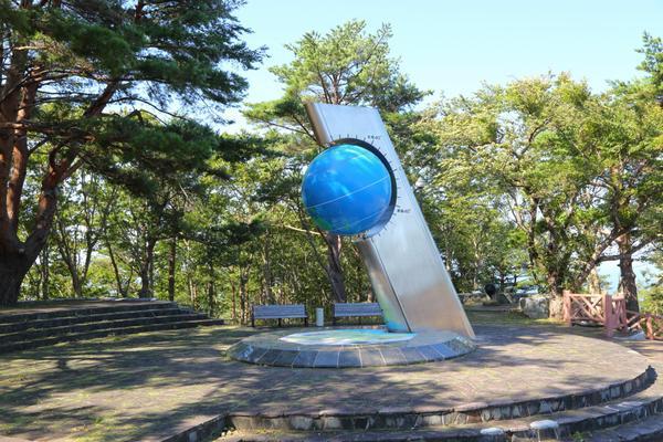 北緯40度のシンボル塔 image