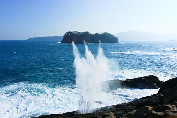 โพรงพ่นน้ำทะเลแห่งซากิยามะ image