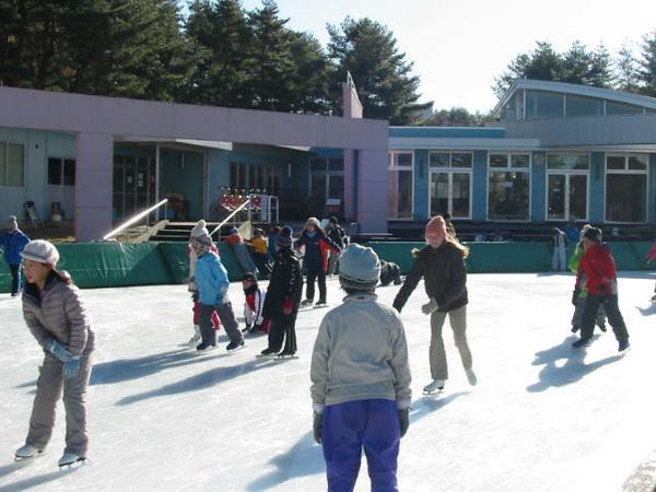 山梨県立 八ヶ岳スケートセンター image