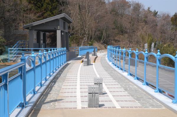 鉄道アーチ橋メモリアルロード image