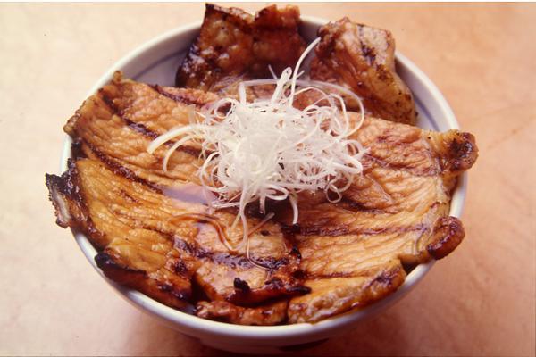 十胜猪肉盖饭 IPPIN image
