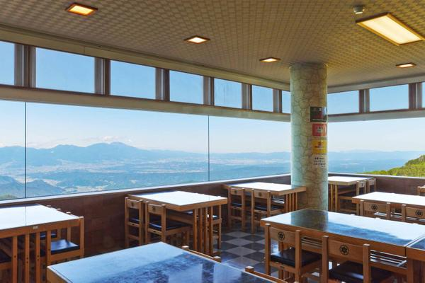 Michinoeki  Utsukushi-ga-Hara Open-Air image4