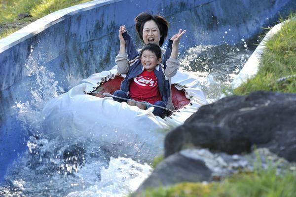 白桦度假村池之平家庭游乐园 image