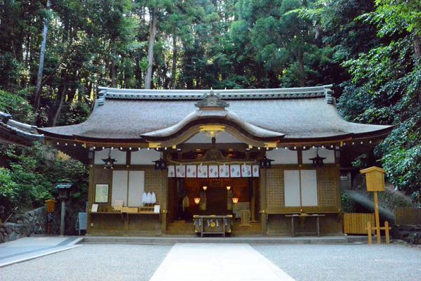 狭井神社 image