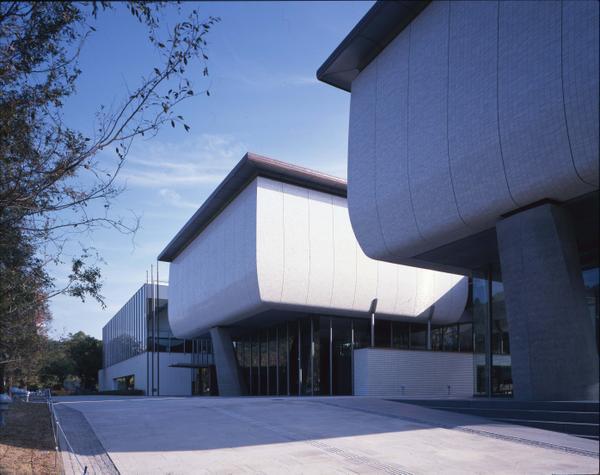 愛媛県美術館 image