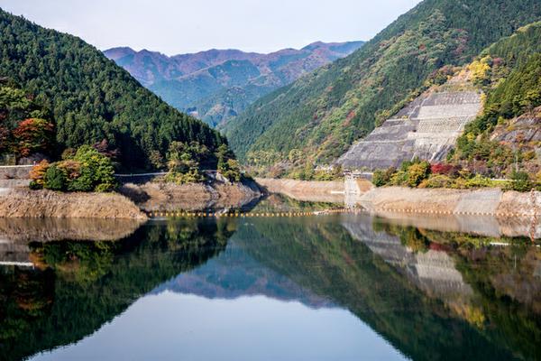 ทะเลสาบนางุริ image