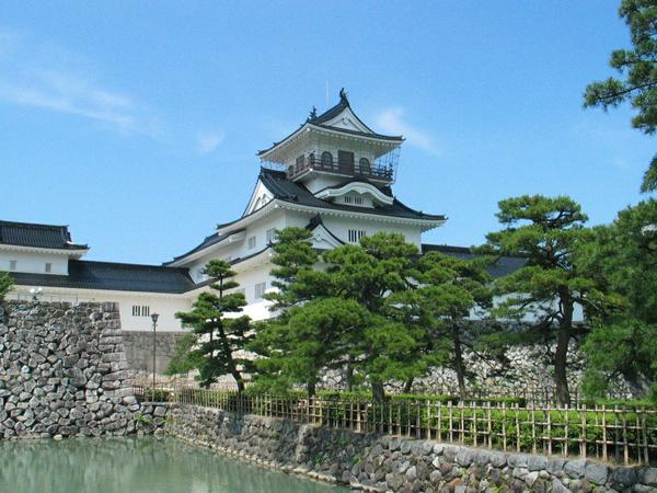 พิพิธภัณฑ์พื้นบ้านเมืองโทยามะ ปราสาทโทยามะ image