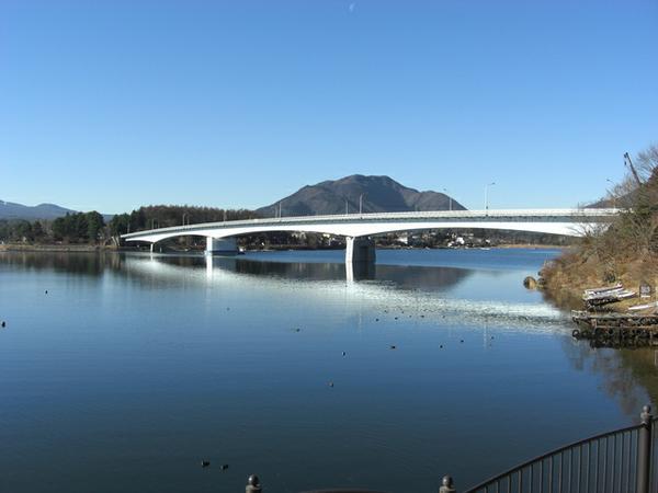 สะพานใหญ่ทะเลสาบคาวากุจิ image