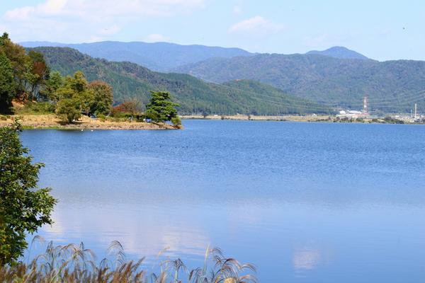 余呉湖 image