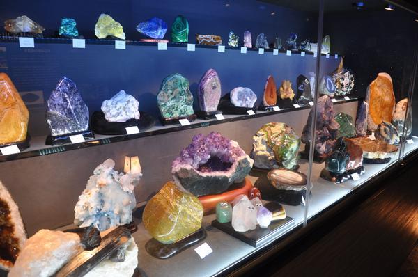 信玄の里 甲州天然石工房 彩石の蔵 image