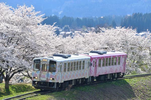 山形鉄道フラワー長井線 image