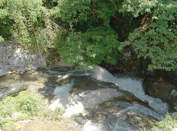 洞鳴の滝 ふれあい館 image