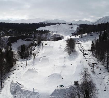 湯殿山スキー場 image