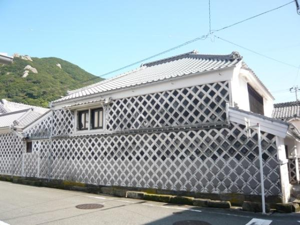 なまこ壁の家 image
