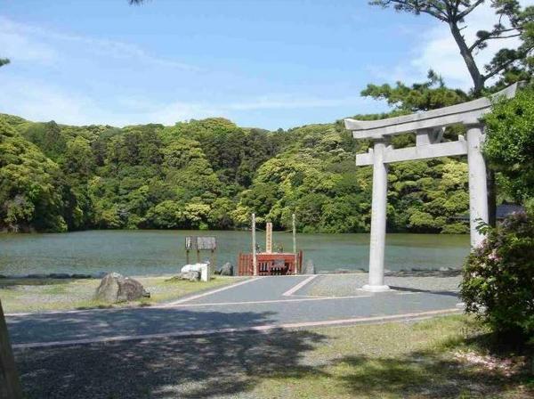 桜ヶ池・池宮神社 image